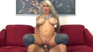 Alyssa Lynn rides him as her massive juggulars bounce all over the room