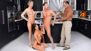 Sexy gal brings her fresh boyfriend to her dad's place for Thanksgiving!
